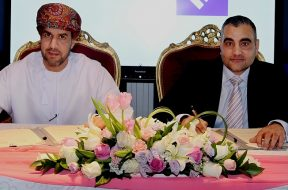 (L to R) Said Al-Mandhari, CEO, Oman ICT Group and Mehmood Khan, Managing Director and Vice-President for the Middle East and South Asia at IFS sign the partnership_1