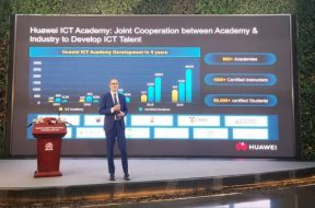 Hank Stokbroekx, Vice President of Enterprise Service at Huawei Enterprise BG